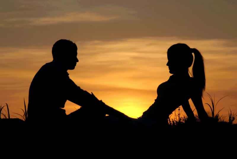 romantischer Abend bei Sonnenuntergang